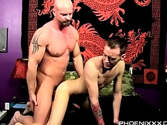 Elder statesman top hottie fucks twink exotic behind