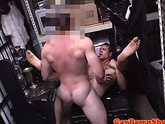 Pawnshop gaybait gets cumshot for quick initial
